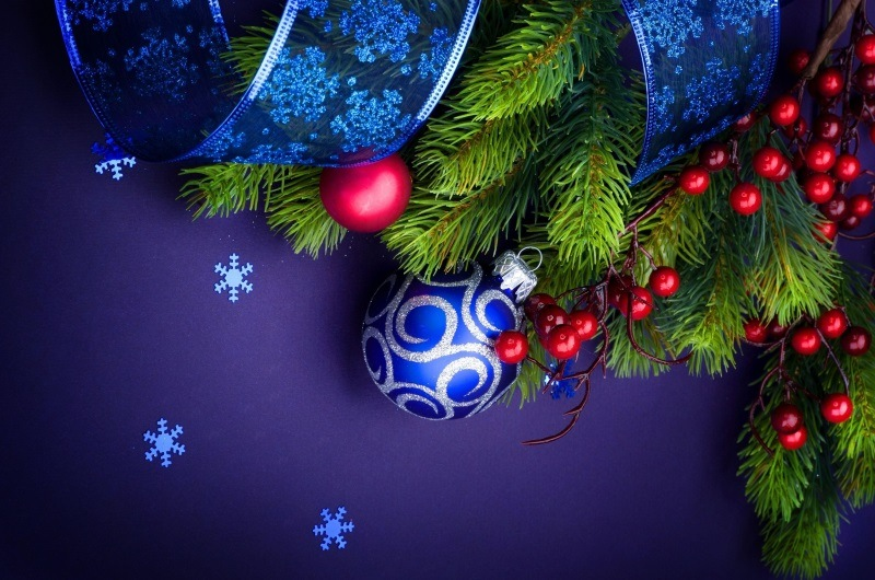 42 Beautiful Christmas Wallpapers and Backgrounds