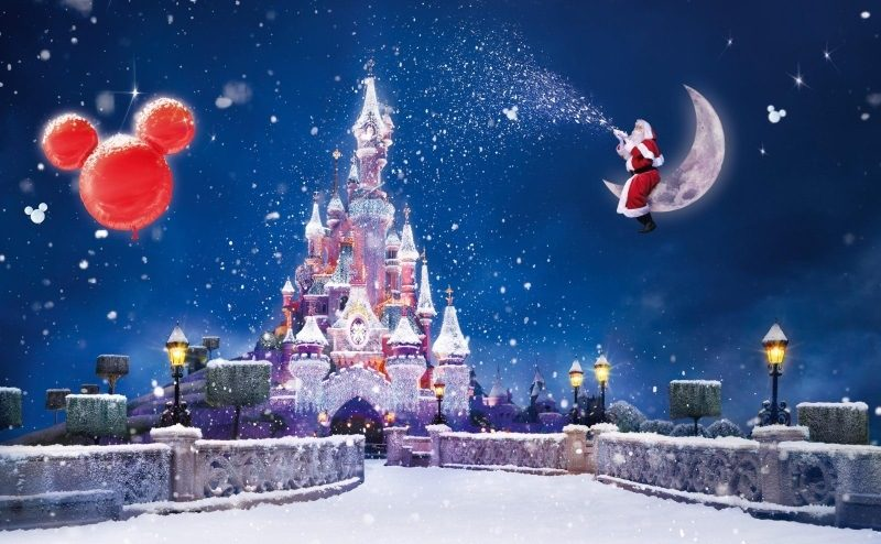 Santa Claus Magic Moon Snow Castle Balloons