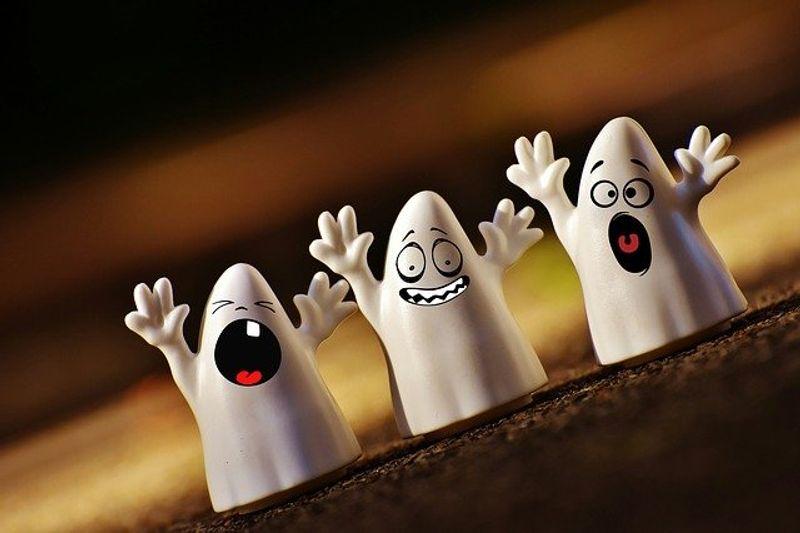 Halloween Ghosts Happy