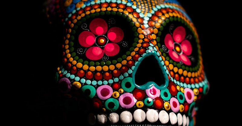 8 Multicolored Skull Decor Free